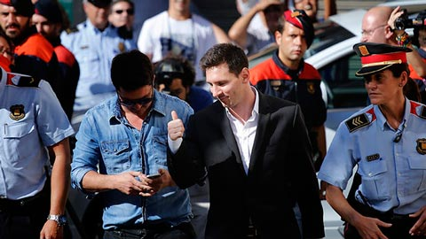 messi canh sat