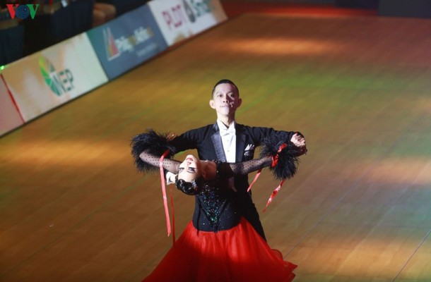 DUC HOA vs hai Yen dancesport